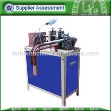Machines à tubes métalliques flexibles