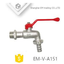 EM-V-A151 Nickel überzogener roter Griff Langer Körper Messing Bibcock