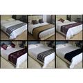 جميل فندق سرير عداء ووسادة