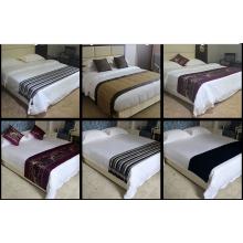 عداء جميل الفندق سرير ووسادة