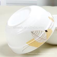weiße Porzellannudelnschüssel, keramische Obstschale