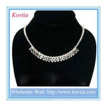 Высококачественное ожерелье с кристаллами в серебристом шнуре