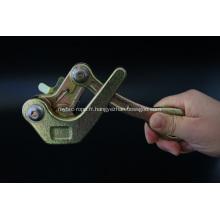 Pince à serrage automatique auto-agrippante