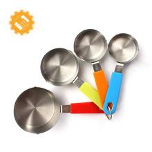 Ensemble de tasses à mesurer en métal de vente chaude avec poignée TPR souple et ferme