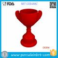 Suporte de copo cerâmico do ovo da cozinha vermelha da forma do troféu