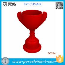 Titulaire de trophée en forme de trophée rouge en céramique
