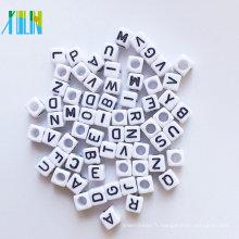 Perles de silicone de qualité alimentaire de qualité supérieure acrylique alphabet cube perles