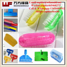 Produits de ménage en plastique faits sur commande d'OEM pelle et bâti de brosse / moule