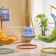 Chaise longue accrochante d'osier de meubles extérieurs