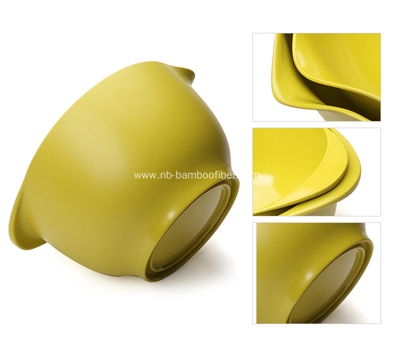 A salad bowl with round fat body