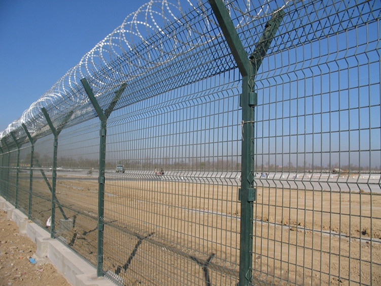 airport security fence -27_