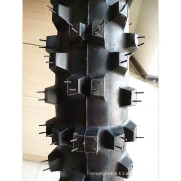 nouveau pneu d'automobile
