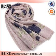 Écharpe en coton douce de toucher attrayant le plus populaire pour la vente en gros
