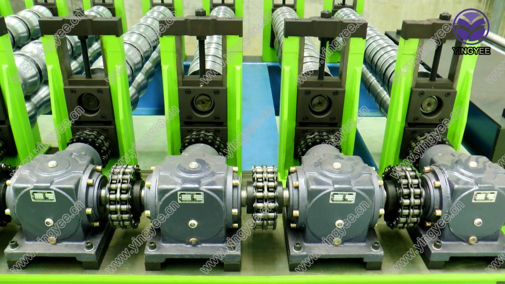 Glazed Roof Roll Forming Machine From Yingyee02