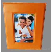 Marco de cuero anaranjado personalizado de la foto con el logotipo grabado en relieve