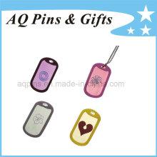 Etiquetas de aluminio con varios logotipo y collar