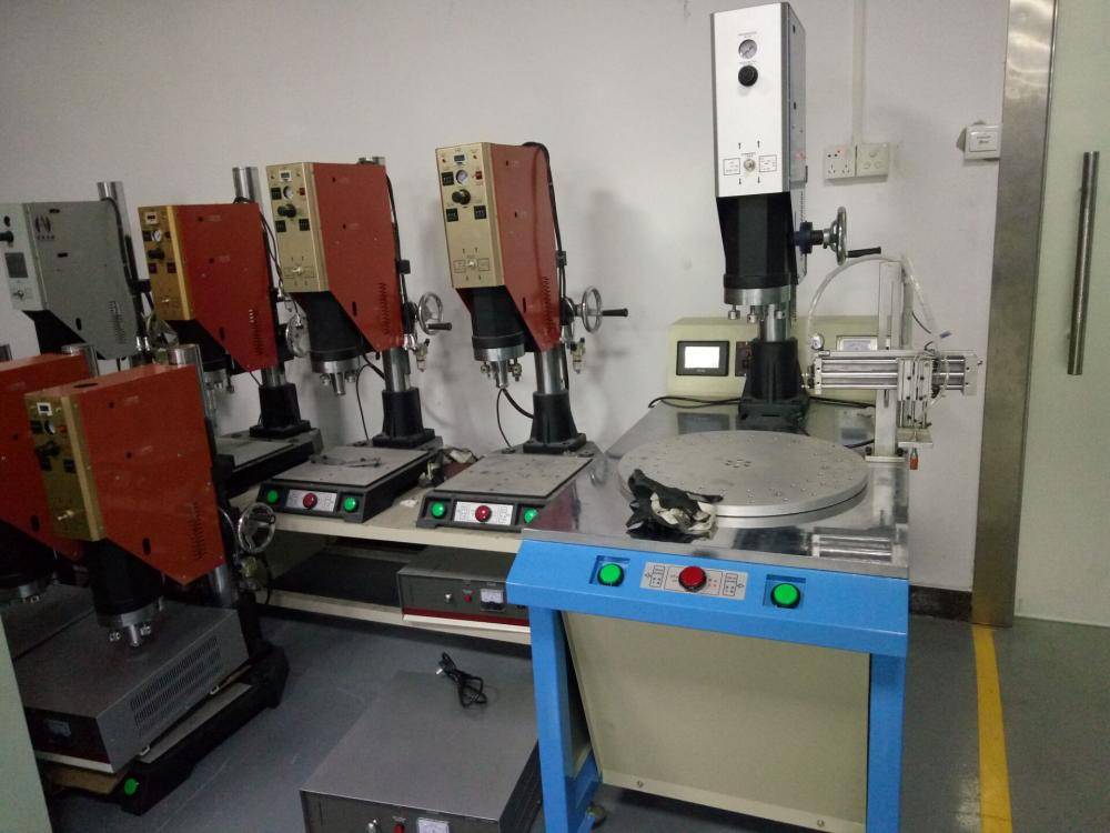15KHz Rotary Table Automatic Ultrasonic Plastic Welder