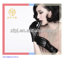 Fashion wearing ladies leather gloves UK