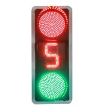 A bola cheia verde vermelha conduziu o sinal