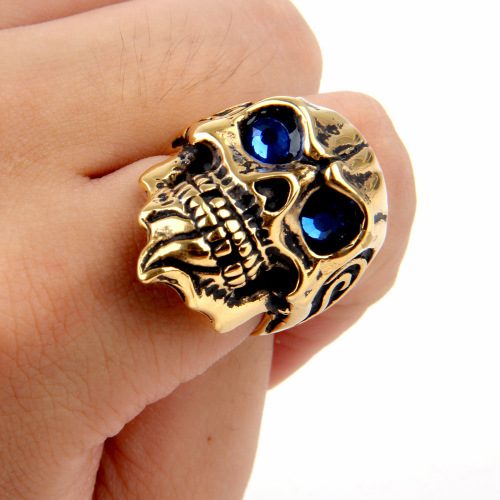 finger skull ring
