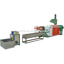 Kunststoff-Granulaten, die Maschine zu verschwenden