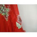 Ярко-красное платье выпускного вечера