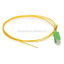Precio barato SM Simplex 9/125 SC / UPC APC cinta de fibra óptica Pigtail con chaqueta LSZH