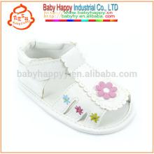 Nuevos zapatos y sandalias al aire libre de los bebés del zapato de bebé de la PU de las muchachas