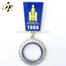 Usine prix en gros en métal personnalisé médaille revers épingle forme goupille de sécurité badge