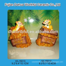 Monos personalizados de la resina para la decoración casera