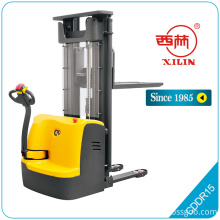 CDD-R powered stacker without standing platform