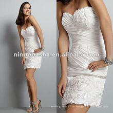 Empfindliche Bias Blume bestickte Rock und Büste Detail Mini Hochzeitskleid