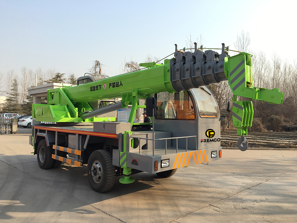 truck crane winch lifting