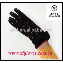 ZF100 Lady docorating suede glove