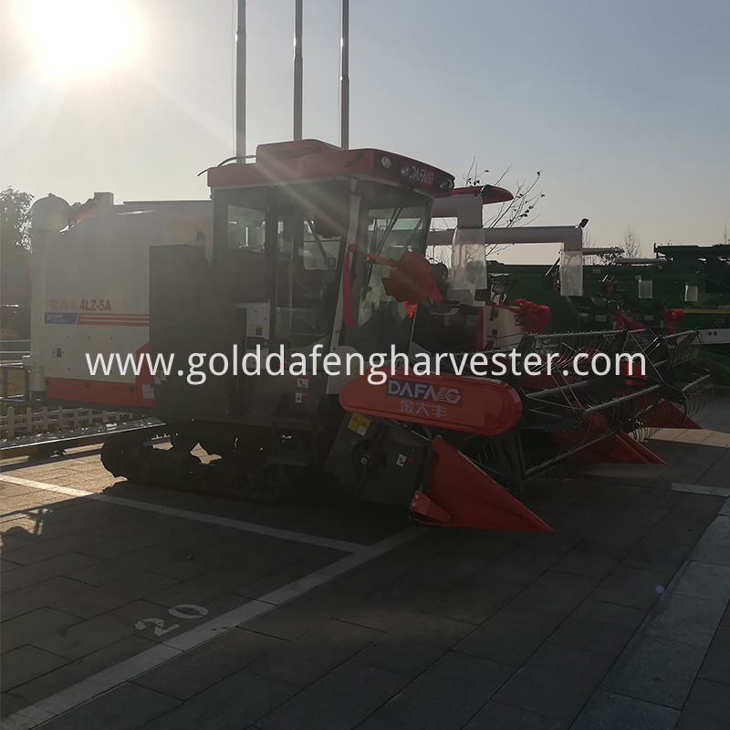Automatic unloading rice harvesting