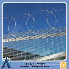 Beste Qualität Mesh 76.2mm * 12.7mm hot dip galvanisierten hohen Sicherheit 358 Zaun, 358 hohen Sicherheitszaun, Gefängnis 358 Zaun
