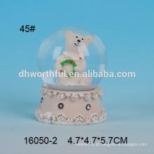 Lovely urso em forma de poliresina 45 milímetros água globo