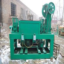 Drahtricht- und Schneidemaschine