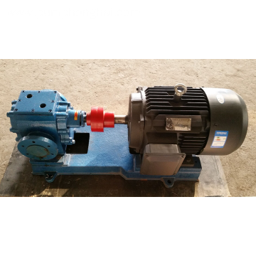 Heat resistant pitch gear pump with heat jacket