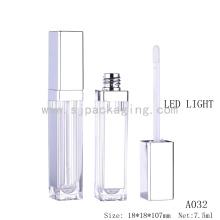 Atacado 5ml lábio plástico gloss garrafa vazia com luz LED e espelho