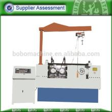 Machine à rouleaux à filet à vis automatique