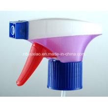 Pulverizador de gatilho de cores mágicas na vida de limpeza