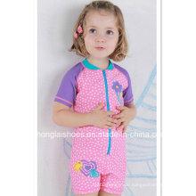 Nette rosa kleine Mädchen-Art- und Weisebadebekleidung