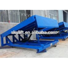 Ascenseur hydraulique de dock de l'entrepôt 8t de poids à vendre / niveleurs hydrauliques stationnaires de dock
