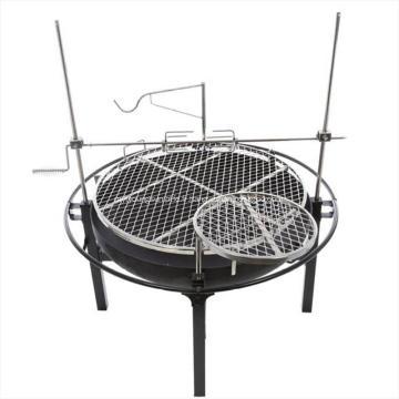 Barbecue au charbon de bois avec rôtisserie