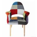 2018 Wooden Restaurant Furniture Fabric Armrest Antique Dining Chair