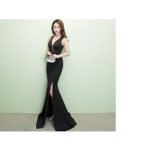 When the fish slim neck hanging perspective evening dress banquet hosted annual Evening Club.