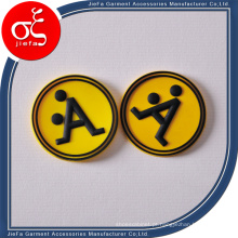 Logotipo de borracha personalizado do remendo com letra para o vestuário / sapatas