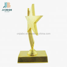 Trophée d'étoile de cadeau promotionnel en métal de fournisseur d'or pour la vente en gros