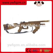 Outdoor jogando brinquedos de madeira arma de caça